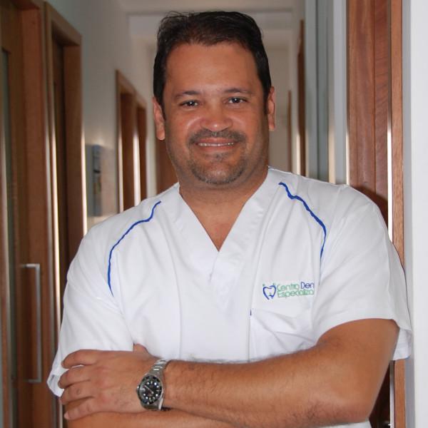 Dr. Claudio Pineda
