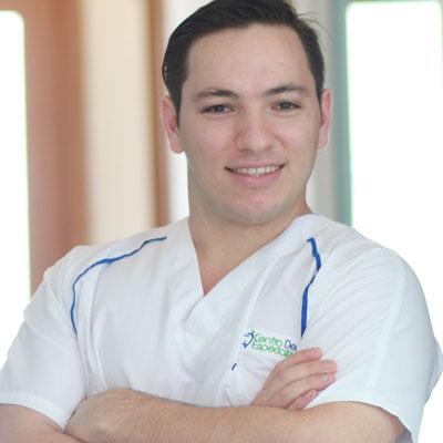 Dr. Felipe Corral